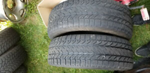 2x BFGoodrich Winter 215/65R16