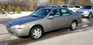 1997 Toyota Camry XLE *** Power Opts, AC, Cruise ***