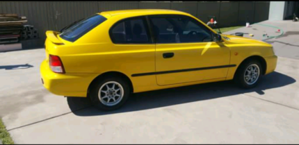 Hyundai accent 2000 Edgeworth Lake Macquarie Area Preview