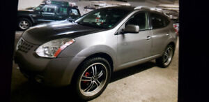 I'm selling my Nissan rogue 2010