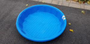 2 kids outdoor swimming pools