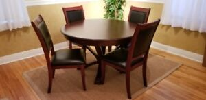 Dining table & 4 chairs - excellent condition