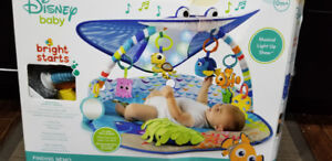 Finding Nemo - Mr Ray Ocean, Lights and Music Gym