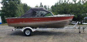 1979 Lund Tyee O/B Boat with trailer