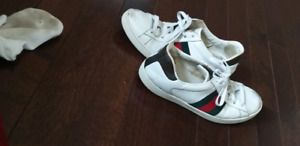 Gucci sneakers size 9 AUTHENTIC