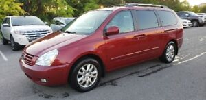 2010 Kia Sedona EX Van *** 2 Sets of Tires &  Power Doors ***