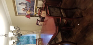 Beautiful Dining Table Set Chairs and Banquette
