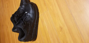 Nike Air Max 90 ALL BLACK Mens.