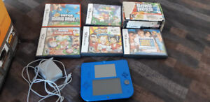 2DS WITH GAMES JUST LIKE NEW