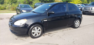 2008 Hyundai Accent Hatch * 2 SETS OF TIRES, POWER OPTS, AC *