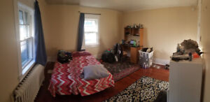 Furnished room to rent - Near Dalhousie. All Inclusive!