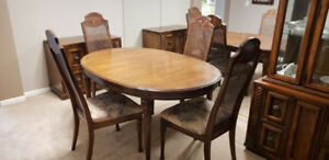 9pc Traditional Dining Room Set