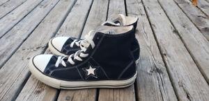 Mens size 7.5 black converse