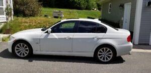 2011 BMW 3-Series 328xi Sedan