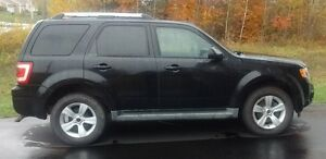 REDUCED: 2009 Ford Escape Limited $7500