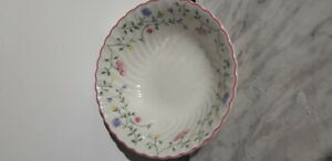 Rare Summer Chintz Bowl by Johnson Brothers