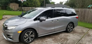 2018 Honda Odyssey TOURING 8 Passagers Fully Loaded + OPTIONs