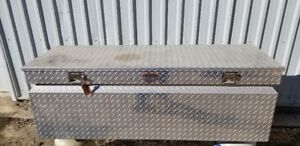 Challenger Truck Bed Tool Box (Chrome Checkerplate)