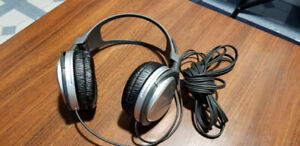 Authentic Sony MDR-XD100 Stereo Headphones like new