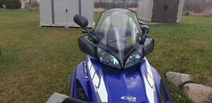 Motoneige YAMAHA RX1 2005
