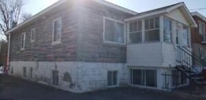 Duplex a Longueuil avec Garage idéal pour propriétaire occupant