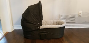 **New*Urbo Carrycot Bassinet for stroller made by Mommas & Papas