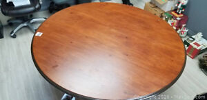Georgeous Round Dining Table
