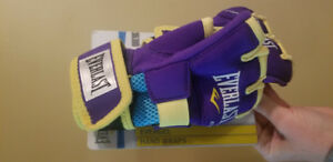 Everlast gel handwraps