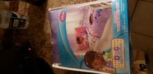 Doc McStuffins sheet set & comforter