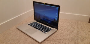 Macbook Pro 15 - CPU i7 2.2GHz - 8GB RAM - 500GB HD