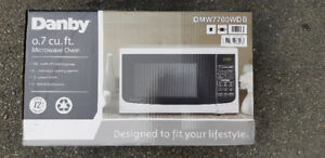 New Danby 0.7 cu. ft. Microwave