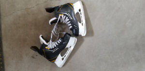 Bauer Supreme One.7 Hockey Skates Size 5.5 D