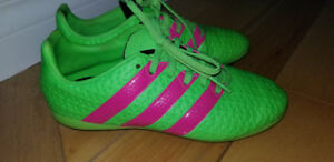 ADIDAS SOCCER CLEATS - size 1 girls.