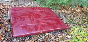 tonneau cover for chev 6 1/2 foot box came off a 2002 extend cab
