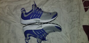 Nike sneakers size mens 8 brand new