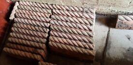 20 Antique rope stones