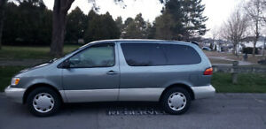 1998 Toyota Sienna for sale. $1100.00