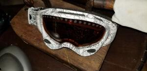 Lunette de Snow/goggle Oakley de qualité, polarisé peu utilisé.