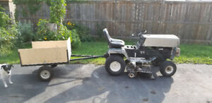 Riding Lawnmower / Tractor