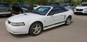 2002 Ford Mustang SOFT TOP CONVERTIBLE *Power Opts, AC, Cruise*