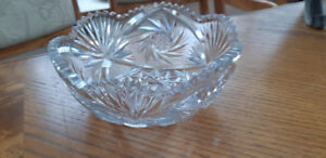 "Beautiful vintage crystal pinwheel bowl 3"" tall and 8"" in diame"