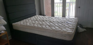 Double bed + headboard/frame