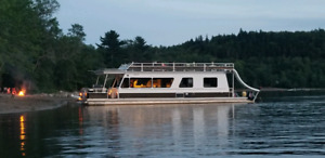 MYACHT HOUSEBOAT - 48 FT