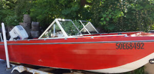 Bowrider, Tri-Hull, 70 Johnson, with trailer