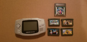 Gameboy Advance Silver GBA + 5 jeux