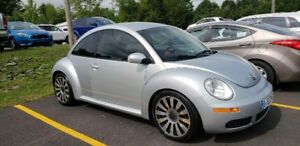 Volkswagen Beetle 2006 Impeccable - 3,500.$
