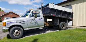 1989 Ford F-350 one ton dump truck