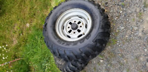 Tires and rims of honda 420