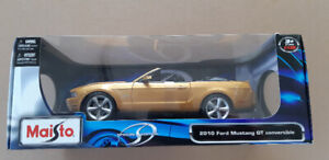 Ford Mustang GT Convertible 2010 Maisto Diecast Car 1/18 scale