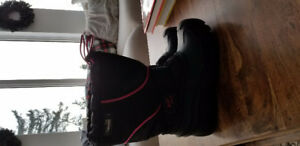 kids winter boots Size 3